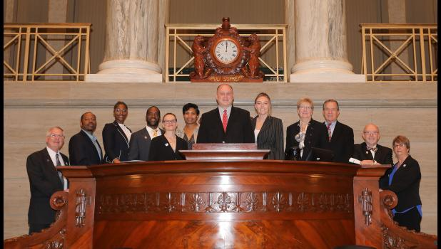 Senator Hoskins welcomed real estate professionals from the 21st Senatorial District to the Senate chamber. The group represented the Missouri Realtors organization.