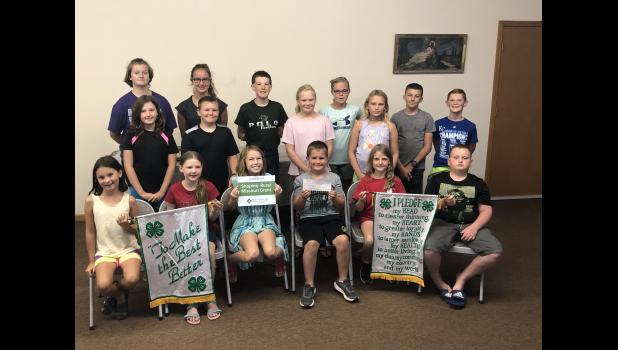Polo Trail Blazers 4-H members with the check received from FCS financial.